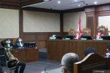 Hakim tolak permohonan