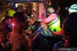 Tim SAR evakuasi 22 jenazah korban kecelakaan bus