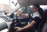 Cara berkendara dengan posisi duduk yang nyaman dan aman