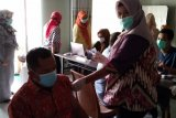Anggota IJTI Lampung jalani vaksinasi COVID-19