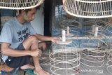Banjir pesanan, perajin ini buka lowongan kerja bagi warga ter-PHK bikin sangkar burung