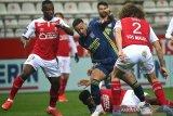 Lyon diimbangi Reims 1-1, buang peluang ke puncak klasemen