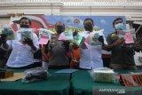 Polrestabes Surabaya menggagalkan peredaran 8,3 kilogram sabu-sabu