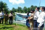 Petani Desa Mentaren II terima bantuan pengembangan budidaya ikan kolam