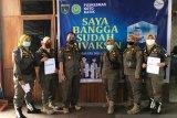 Personil Satpol PP dan Damkar Padang Panjang divaksinasi