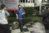 KPK geledah rumah dan kantor Bupati Bandung Barat