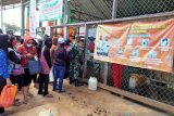 Pertamina distribusikan BBM ke perbatasan Malaysia menggunakan pesawat