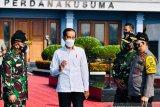 Presiden Joko Widodo tinjau vaksinasi massal di Gianyar dan Denpasar