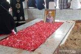 Anton Medan dikebumikan dengan diiringi bacaan ayat suci Al Quran