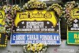 Kapolri hingga Ahok kirim karangan bunga ke rumah duka almarhum Anton Medan