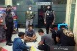 Tiga pejudi kartu domino di Solo ditahan