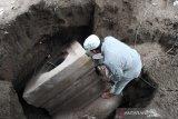 Batu yoni unik berukuran besar ditemukan di Mungkid Magelang