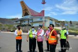 Menhub tinjau Bandara Toraja jelang diresmikan Presiden Jokowi