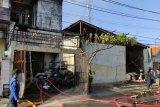 Satu korban tewas dalam kebakaran toko plastik di Semarang