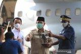 Menhan Prabowo serahkan pesawat buatan PT DI dibeli  AU Senegal