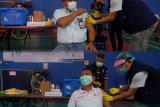 Ribuan insan PLN Suluttenggo jalani vaksinasi  COVID-19