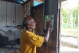 PLN salurkan 574 APDAL listriki di 11 kampung Kepulauan Yapen