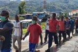 PolresTolikara dampingi anak Papua hadapi tes Bintara Noken