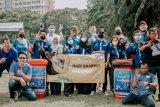 Peduli kebersihan, JCI Jateng punguti sampah