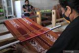 Produksi kain tenun NTT harus dimaksimalkan