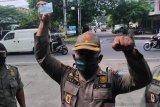 KTP dirampas saat razia prokes, Dekan FH UGR laporkan Satpol PP NTB ke Ombudsman