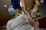 Vaksinasi COVID-19 baru mencakup satu persen warga lansia di Riau, begini penjelasannya