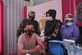 Batalyon Vaksinator TNI Polri dan Pemda Lobar vaksinasi dosis kedua di Polres Lobar