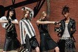 Rok untuk pria kini muncul sebagai trend fesyen saat pandemi