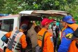 Dua mahasiswa UNP terseret air bah di Lubuk Hitam Bungus ditemukan meninggal