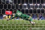 Tampil bagus, Deschamps puji penampilan kiper veteran Kazakhstan