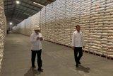 Bulog pastikan stok beras  nasional aman capai 1 juta ton