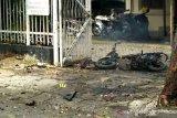 Saksi mata menduga pelaku bom bunuh diri seorang perempuan