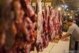 Harga daging sapi dan kambing di daerah ini naik saat Idul Adha