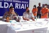 Dua pegawai bank di Riau  curi uang nasabah Rp1,3 miliar