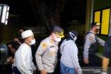 Keluarga jenazah terduga teroris mendatangi RS Polri Kramat Jati