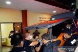 Jenazah terduga teroris pelaku penyerangan Mabes Polri tiba di RS Polri