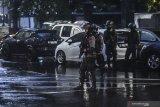 Pengamat militer sarankan  pengamanan semua kantor polisi diperketat