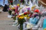 Seorang bocah tewas dalam pelukan ibunya dari penembakan di California