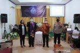 Bupati Lampung Timur kunjungi gereja saat Jumat Agung