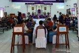 Jemaat GKI Sion Dok VIII Jayapura ibadah Jumat Agung dengan perjamuan kudus