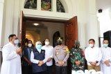 Gubernur Khofifah dan Eri Cahyadi tinjau Gereja Katedral Surabaya