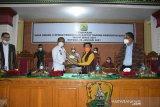 DPRD Manggarai tetapkan dua perda  retribusi