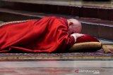 Paus merasa sedih dan malu, gereja tidak prioritaskan tangani korban pelecehan di Prancis