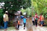 Luapan air Sungai Kahayan mulai rendam rumah warga Palangka Raya