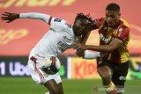 Lyon ditahan imbang Lens 1-1