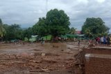 Tiga korban banjir bandang Flores Timur ditemukan meninggal