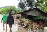 Pemerintah mendatangkan dokter ke NTT dan  NTB untuk bantu korban bencana