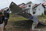 Angin Kencang Terjang Kota Kupang
