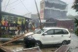 Rumah warga di Mamuju rusak akibat terpaan angin kencang