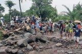 Sebanyak 19 orang ditemukan meninggal akibat banjir bandang di Lembata